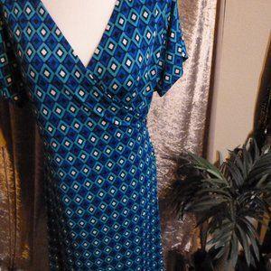 Gorgeous Wrap Midi Dress V neck / no iron needed